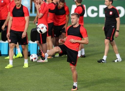 Blaszczykowski, cầu thủ đã ghi bàn mở tỉ số trong trận đấu Ba Lan gặp Thụy Sĩ ở vòng 1/8