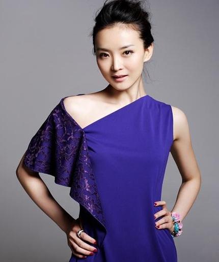 Vương Diễm là một trong những nghệ sĩ giàu có và cuộc sống hôn nhân viên mãn nhất làng giải trí Hoa ngữ.