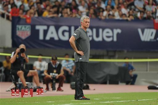 Mourinho tỏ ra rất thất vọng về kết quả của trận đấu. Trong thất bại của MU, đa phần cầu thủ của họ chơi nhạt nhòa, chỉ duy có Mata thi đấu ở mức khá