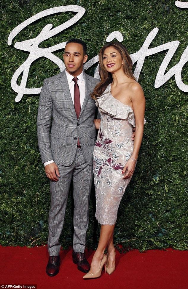 Lewis Hamilton và bạn gái cũ - ngôi sao ca nhạc Nicole Scherzinger chia tay vào năm ngoái sau 7 năm gắn bó.