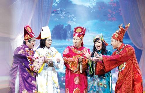 Các Táo trổ tài văn nghệ bằng những ca khúc chế đình đám của Việt Nam và cả thế giới
