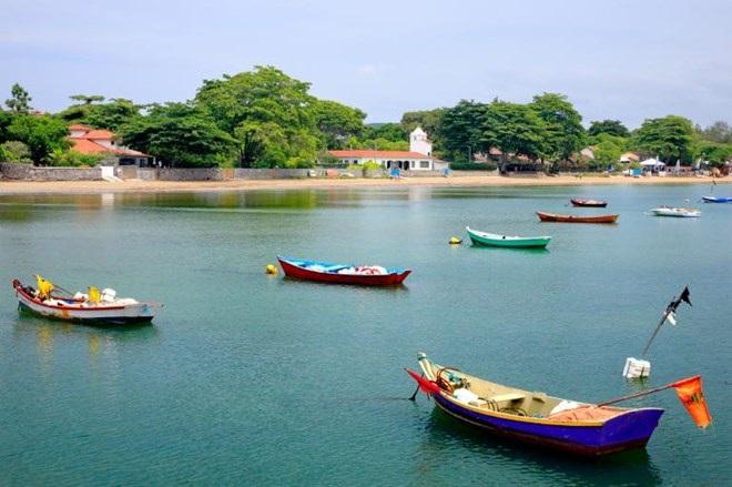 Đi thuyền ở Búzios, Brazil . (Nguồn: NatGeo)