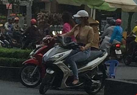 """""""Chợ"""" mại dâm di động lớn nhất Sài Gòn - 3"""