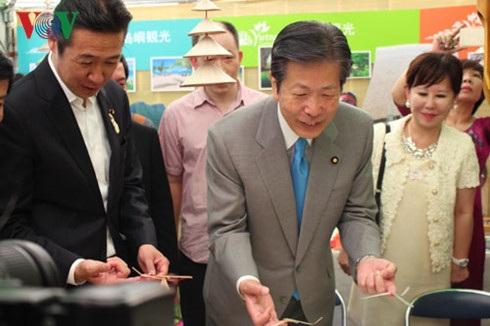 Chủ tịch Đảng Công Minh và Thứ trưởng Ngoại giao Nhật Bản tới dự Lễ hội.