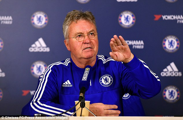 Hiddink đang giúp Chelsea hồi sinh