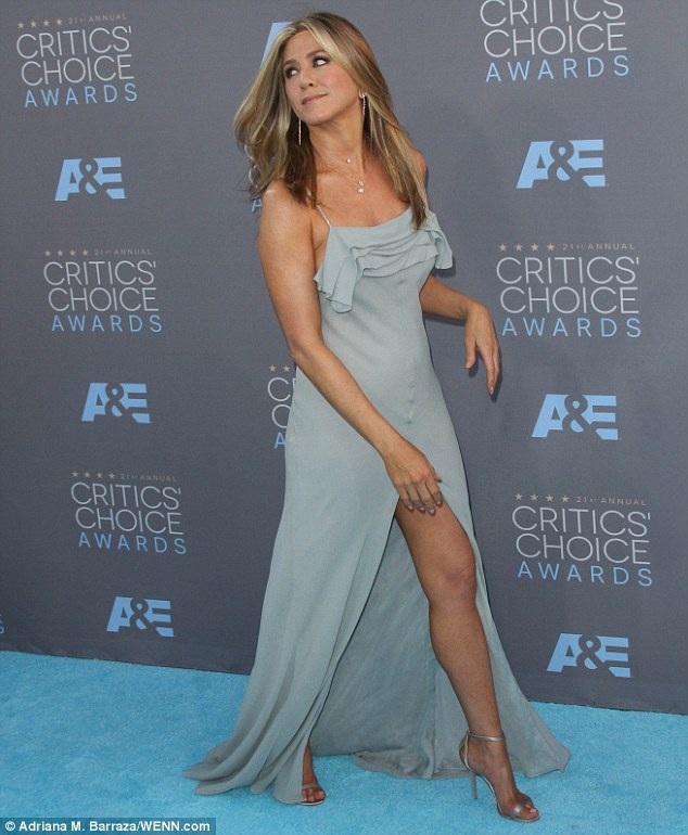 Jennifer Aniston được bình chọn là người phụ nữ đẹp nhất thế giới năm 2016 - 4