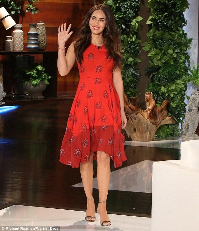 Megan Fox tới tham dự buổi phỏng vấn với Ellen DeGeneres vào tháng 2/2016.