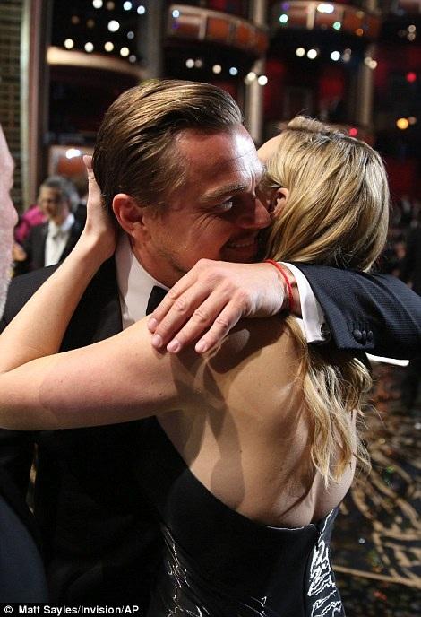 Sau nhiều năm chờ đợi, Leonardo DiCaprio lần đầu giành giải Oscar - 4