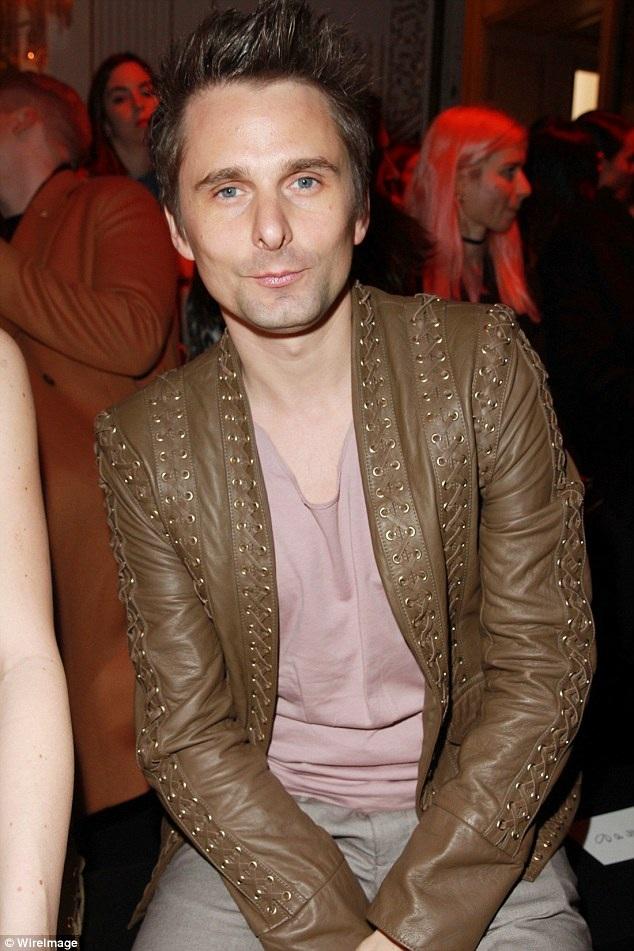 Matt là thành viên nhóm nhạc Muse, một trong những ban nhạc rock nổi tiếng của Anh. Tại lễ trao giải Grammy vừa rồi, Matt cùng những người anh em trong nhóm Muse đã giành giải Album nhạc rock xuất sắc nhất. Ban nhạc Muse đã bán được hơn 20 triệu đĩa hát trên toàn thế giới.