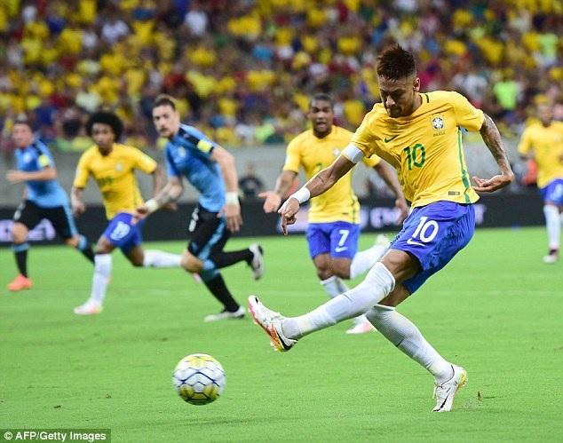 Brazil gây thất vọng lớn khi bị Uruguay cầm hòa 2-2 trên sân nhà ở lượt đấu trước