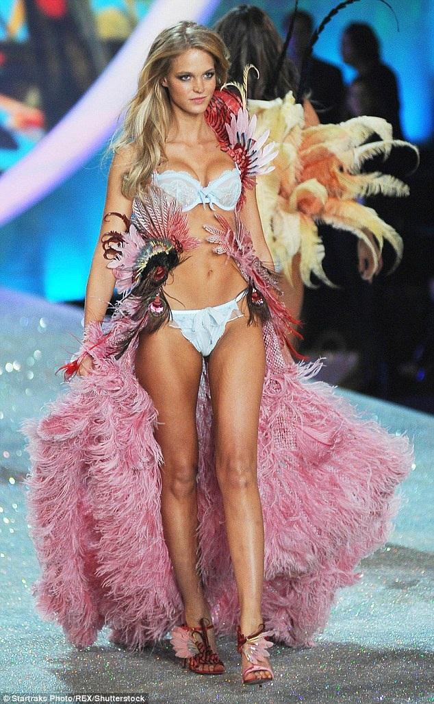 Người mẫu tóc vàng từ bỏ cộng tác với Victorias Secret vì cô không thể tiếp tục ép cân, sống khổ sở để gây dựng hình ảnh không tưởng về phụ nữ.