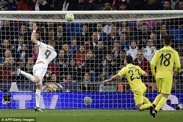 Benzema khai thông thế bế tắc cho Real Madrid ở cuối hiệp 1