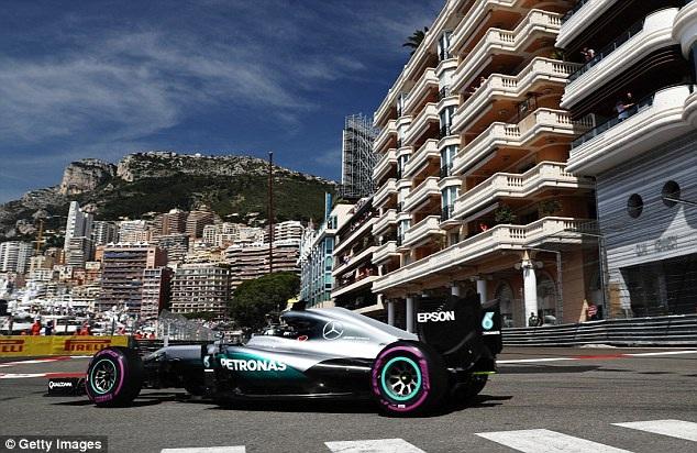 Ricciardo có pole tại chặng đua đường phố - 5