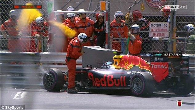 Ricciardo có pole tại chặng đua đường phố - 6