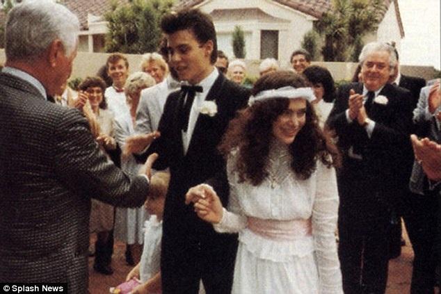 Lori Anne Allison và Johnny Depp kết hôn vào năm 1983.