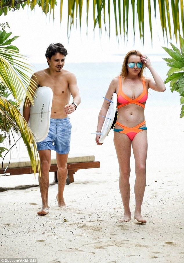 Lindsay và Egor đang đi nghỉ cùng nhau tại Cannes, Pháp gần một tháng nay.