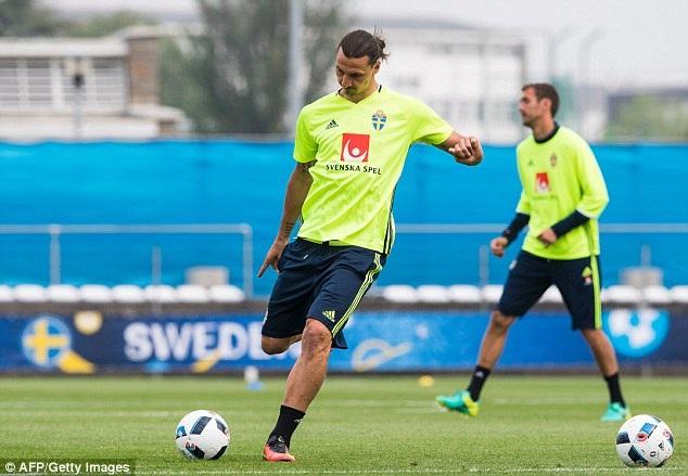 Ibrahimovic là cầu thủ được chú ý nhiều nhất ở trận đấu này