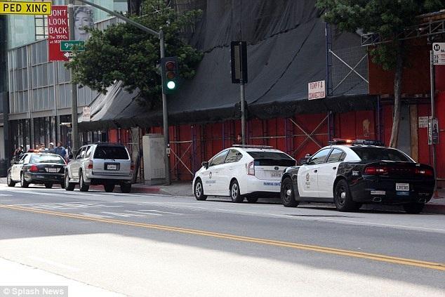 Amber Heard đã báo cảnh sát khi người của Johnny Depp xuất hiện tại ngôi nhà ở Los Angeles của hai vợ chồng cô, ngày 13/6.