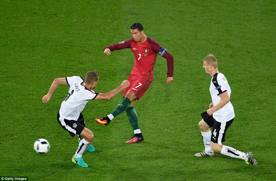 C.Ronaldo đã gây thất vọng ở trận Bồ Đào Nha hòa Áo