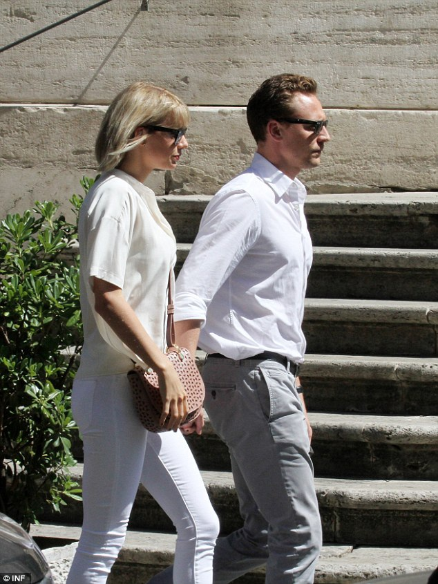 Gu thời trang tình nhân tone-sur-tone của Taylor Swift và Tom Hiddleston - 9