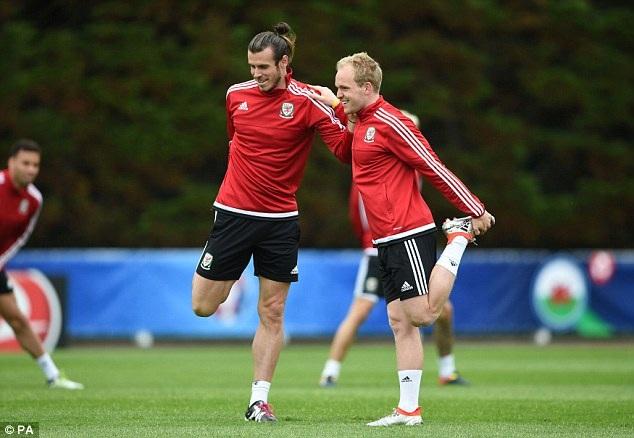 Wales đặt nhiều niềm tin vào Bale và Williams