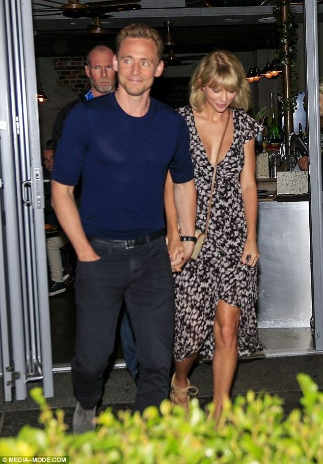 Nữ ca sĩ người Mỹ công khai quan hệ với Tom, hai tuần sau khi cô chia tay với Cavlin Harris.