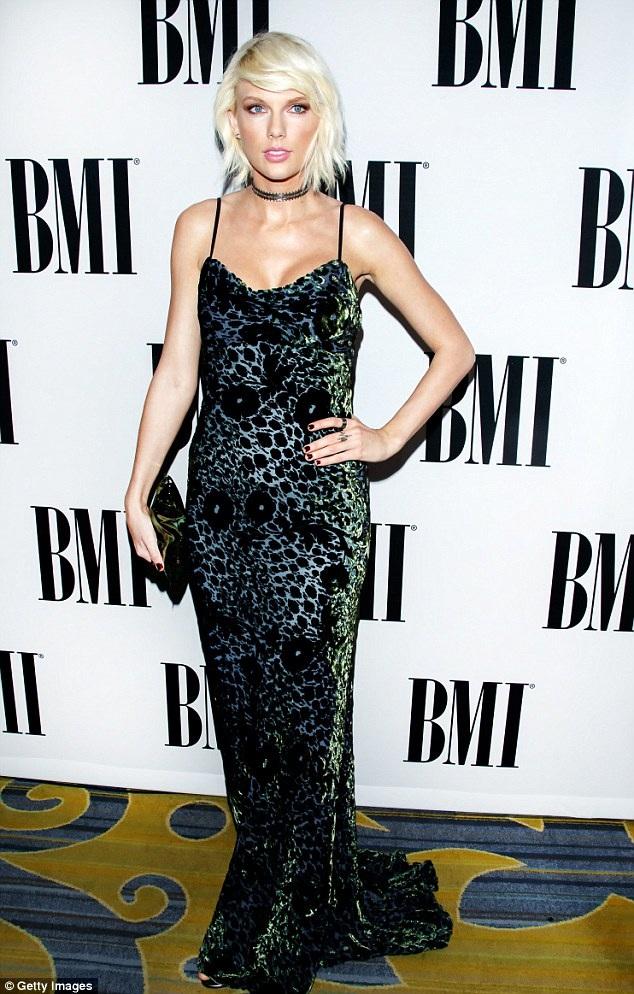 Nữ ca sĩ tóc vàng nhận mình là người sáng tác ca khúc - This Is What You Came For của bạn trai cũ, Calvin Harris.