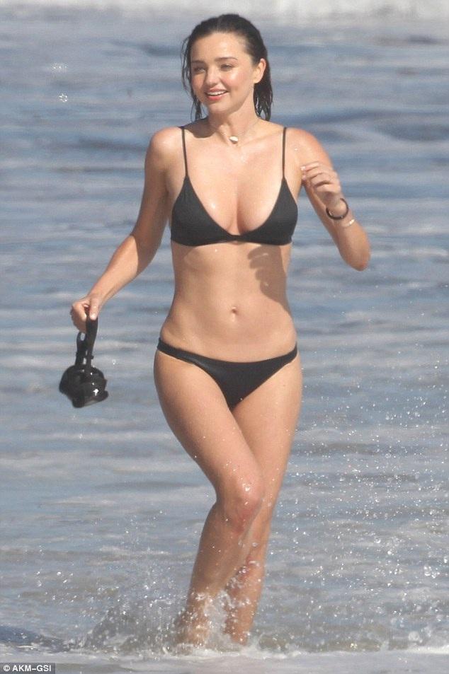 """Cựu """"thiên thần"""" Miranda Kerr nuột nà giữa biển xanh - 5"""
