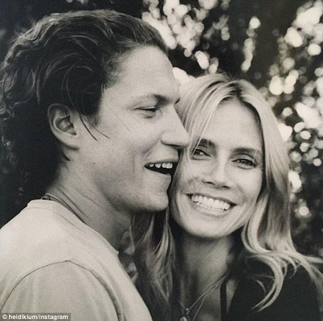 Vào sinh nhật người yêu, Heidi đã đăng ảnh hai người lên trang cá nhân kèm lời chúc Chúc mừng sinh nhật tình yêu của em.