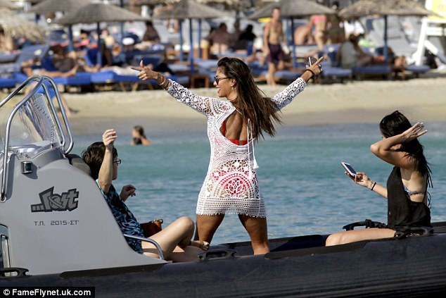 38 tuổi, Nicole Scherzinger vẫn bốc lửa và nóng bỏng - 17