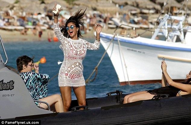 Sau khi chia tay với Lewis Hamilton, Nicole hò hẹn với ngôi sao tennis người Bulgari - Grigor Dimitrov (25 tuổi) nhưng có thông tin cho hay, cặp đôi cũng đã nói lời chia tay sau một thời gian ngắn hò hẹn.
