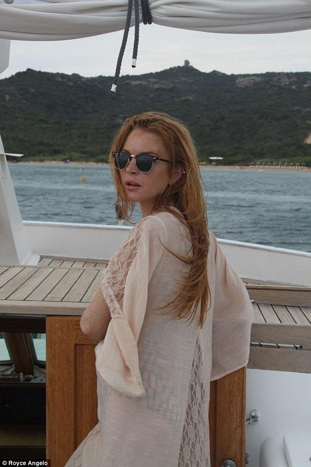 Nữ diễn viên 30 tuổi trở về với gia đình, để tìm sự cân bằng sau cú sốc tình cảm.