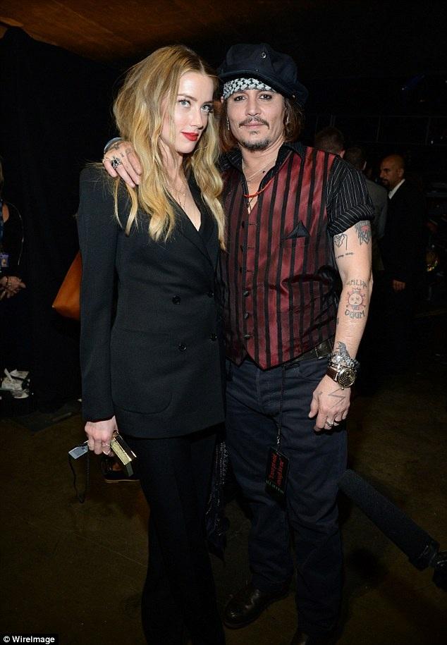 Johnny Depp và Amber Heard khi còn hạnh phúc.