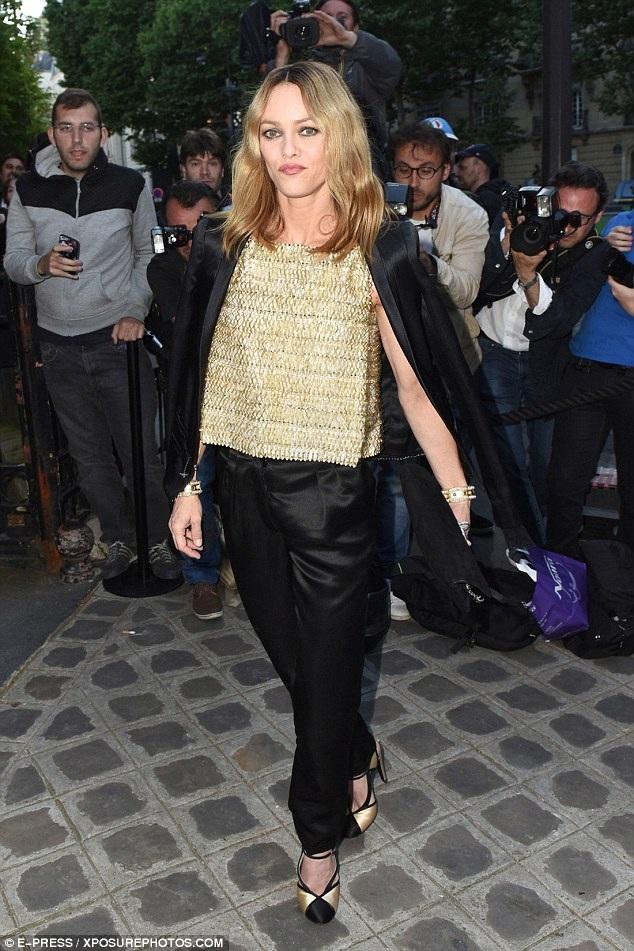 Nữ diễn viên người Pháp - Vanessa Paradis sẽ ra làm chứng bảo vệ Johnny Depp