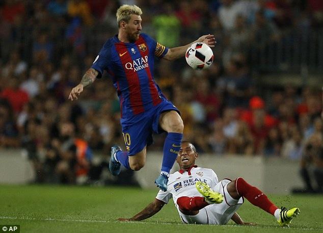 Messi ấn định thắng lợi 3-0 chung cuộc cho Barcelona tại Nou Camp