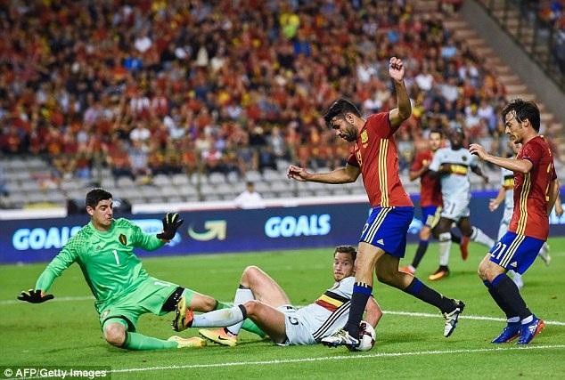 Diego chơi khá năng nổ sau khi được vào sân thay Morata