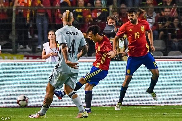 David Silva chói sáng trong chiến thắng 2-0 của Tây Ban Nha