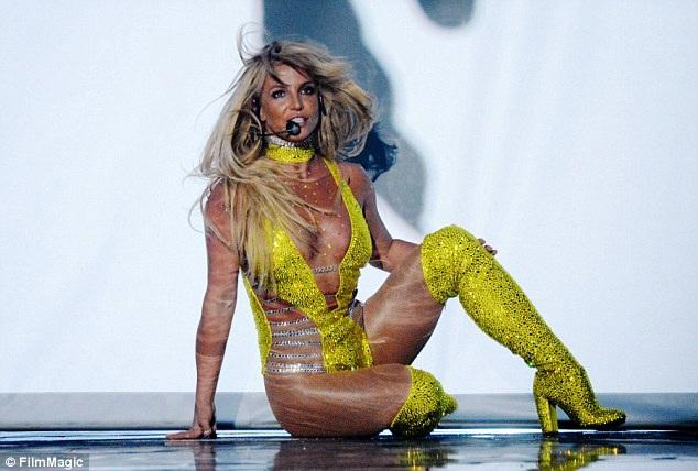 Britney Spears sẽ là giáo viên nếu không theo đuổi sự nghiệp ca hát.