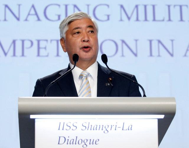 Bộ trưởng Quốc phòng Nhật Bản Gen Nakatani phát biểu tại Đối thoại Shangri-La ngày 4/6 (Ảnh: Reuters)