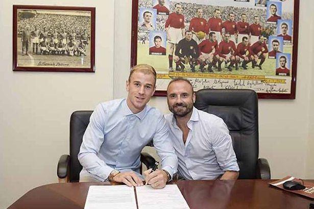 Joe Hart bất ngờ không còn chỗ đứng ở Man City khi Pep Guardiola trở thành HLV trưởng đội bóng này. Thủ thành số 1 tuyển Anh đã không ở lại trong nước mà bất ngờ sang Italia thi đấu cho Torino.