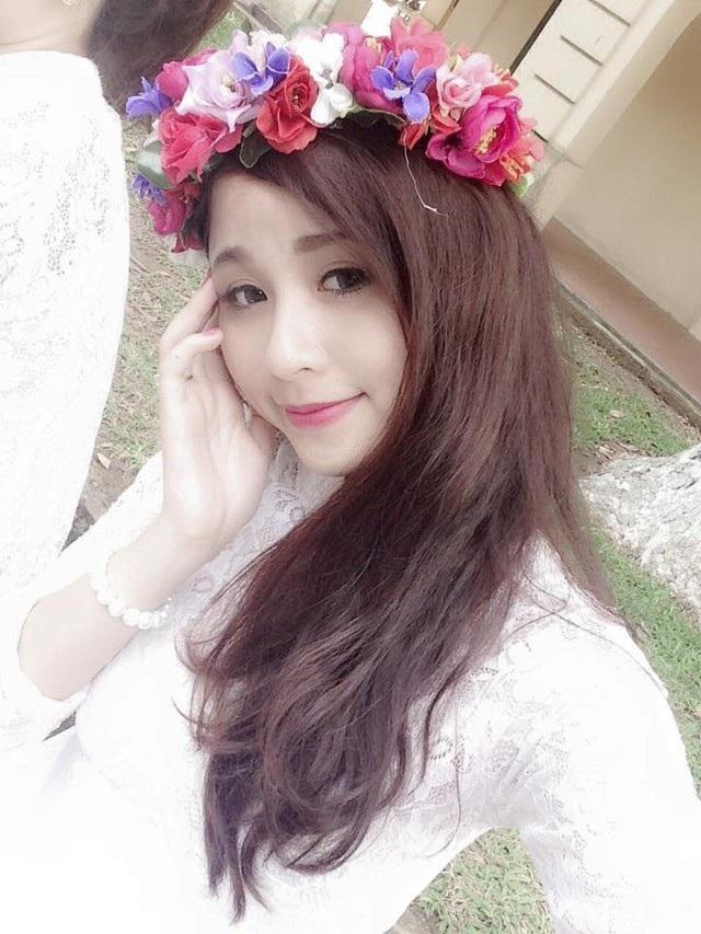 Con gái lớn của Thanh Tú xinh như hotgirl