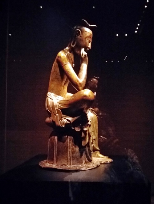 Tượng Phật lạ 1400 tuổi và vương miện vàng ròng 1kg - 4