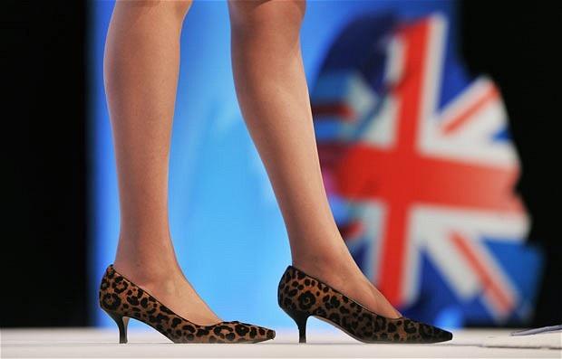 Thời trang đẹp mê mẩn của tân nữ Thủ tướng Anh - 4