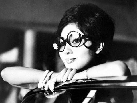 Tên Thẩm Thúy Hằng là do ông bà chủ hãng phim Mỹ Vân đặt khi cô vượt qua 2.000 cô gái đẹp khác trong cuộc thi tuyển diễn viên của hãng.