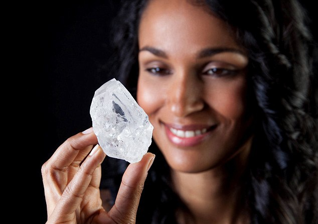 Lesedi la Rona nặng 1.109 carat (Ảnh: Getty)
