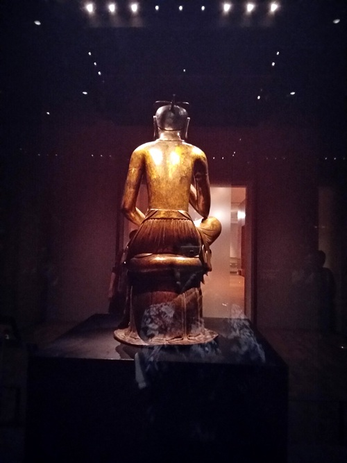 Tượng Phật mạ vàng 1400 tuổi.