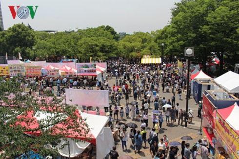Quang cảnh khu vực Lễ hội