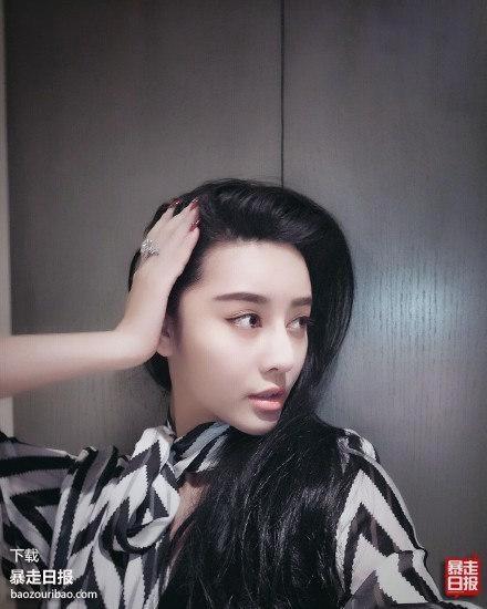 Sau khi xuất hiện trên truyền hình, những hình ảnh của He Chengxi được lan truyền khắp trên mạng.