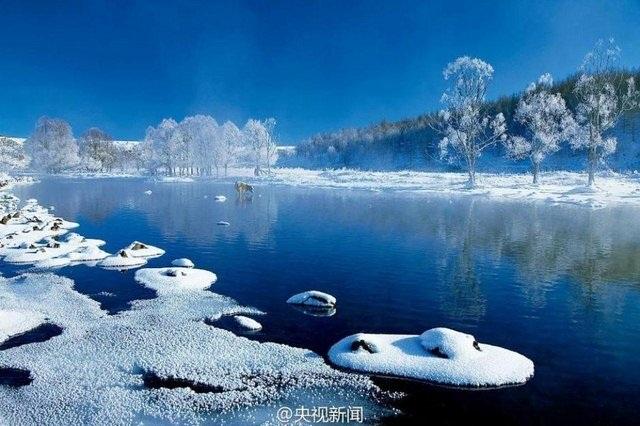 Nước sôi hắt ra hóa băng trong cái rét cực độ ở Trung Quốc - 7