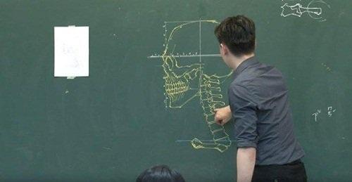 """Dân mạng """"phát cuồng"""" với thầy giáo đẹp trai, vẽ đẹp - 5"""